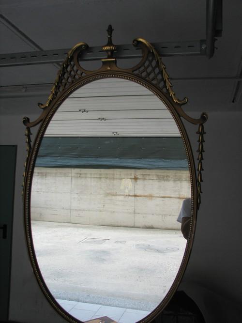 Specchio antico ovale da parete con cornice legno a - Specchio antico ovale ...