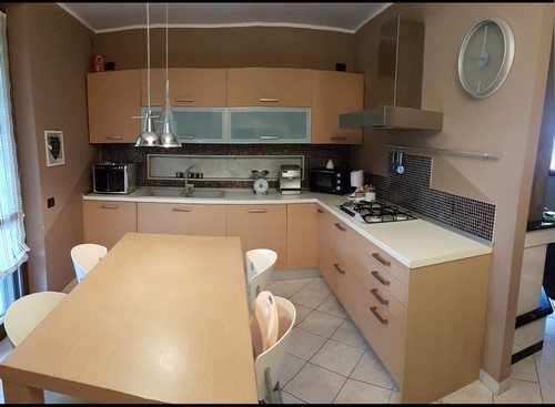 Cucina completa di elettrodomestici classe A+ a Salvirola - La Soffiata